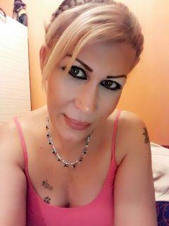Seksi bakışlı travesti Sinema